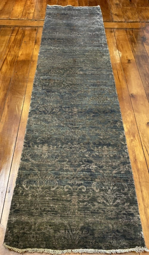 Rug# 23323, Fine Agra design, Tibetan wool pile, 18th c Damask dsn, 8x8 quality, India, size 296x74 cm RRP $2500, Special $950