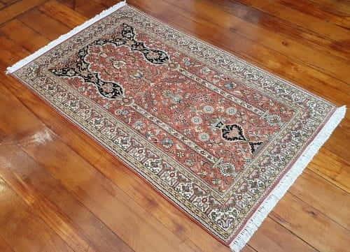Rug# 23941, very fine Kashmir silk , total 720,000 knots, Mogul prayer design , size 149x91 cm, RRP$3500, on special $1050 (3)