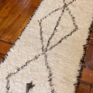 Rug# 25123, Turkish Tolou style shaggy runner, hand knotted fleece lamb wool, natural wool colours, size 431x76 cm (2)
